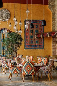 Interior for oriental restaurant Shari Vari Coffee Shop Interior Design, Coffee Shop Design, Restaurant Interior Design, Cafe Design, Deco Restaurant, Bohemian Restaurant, Bohemian Cafe, Modern Restaurant, Boho