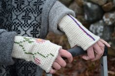 Ullcentrum - Krokat Garner, Blogg, Fingerless Gloves, Arm Warmers, Crochet, Fashion, Tunisian Crochet, Fingerless Mitts, Moda