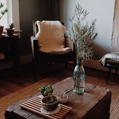 """I know this isn't very """"officey"""" but I would like this to be the parlour of my future office. natural & rustic 
