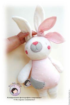 Купить Кроля ПОЛЯ. Кролик-гремелка. Игрушка для малышки в интернет магазине на Ярмарке Мастеров