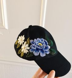 "9,306 Likes, 157 Comments - ⚡Tessa⚡ (@tessa_perlow) on Instagram: ""Baseball hat with a couple blooms"""