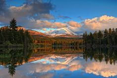 Manzanita Lake, Lassen Volcanic National Park, California