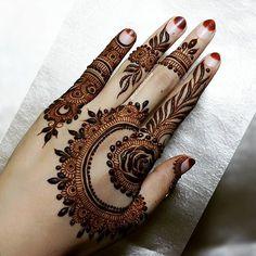 Beautiful and Stylish Henna Mehndi Designs for Hand - Kurti Blouse Finger Henna Designs, Mehndi Designs 2018, Modern Mehndi Designs, Mehndi Designs For Girls, Mehndi Design Pictures, Mehndi Designs For Fingers, Beautiful Mehndi Design, Henna Tattoo Designs, Mehandi Designs