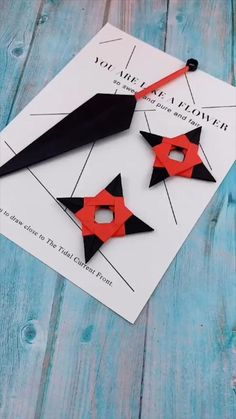 Origami is a superb project to make use of your free time or even make important presents of spiritual value. Cool Paper Crafts, Paper Crafts Origami, Fun Crafts, Arts And Crafts, Creative Crafts, Diy Crafts Hacks, Diy Crafts For Gifts, Instruções Origami, Origami Flowers