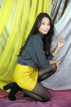 Stocking Tights, Pretty Girls, Asian Girl, Skater Skirt, Stockings, Skirts, Beauty, Dresses, Fashion