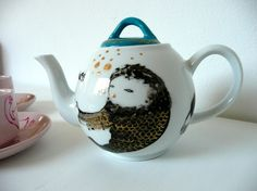 Cute teapot!!! By benconservato on Etsy