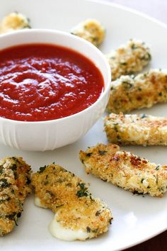 Hot mozzarella sticks – I can't think of a more popular finger food for both kids and adults alike. My oldest daughter Karina LOVES them and these never disappoint! Made lighter with part-skim mozzar (Fried Cheese Sticks) Skinny Recipes, Ww Recipes, Cooking Recipes, Healthy Recipes, Skinnytaste Recipes, Snack Recipes, Cheese Recipes, Lean Recipes, Cleaning Recipes