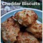 Red Lobster Cheddar Bay Biscuits.2 1/4 cups Bisquick mix 1/2 cup cold water 1 cup grated sharp cheddar cheese 1/4 cup butter 1 teaspoon parsley flakes 1/2 teaspoon garlic powder 1/2 teaspoon Italian seasoning.oven to 350 degrees. Mix together Bisquick, cold water, and cheese. Cut biscuits with a cutter and place into a baking dish. Melt butter and seasonings together. Bake for 8 to 10 minutes or until the tops are  brown.  After removed from the oven brush the tops with the seasoned butter