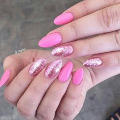 ✌✌ @_linadoll✌✌ Pretty in pinkness    @vetro_usa #184 and lollipop leaf   #nails #lanails #losangeles #glamour #girly #summernails #hudabeauty #fiercesociety #makeup#instarepost20