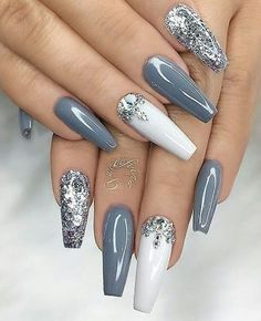Silver acrylic nails, white and silver nails, silver glitter nails, colored White And Silver Nails, Gray Nails, Silver Acrylic Nails, Acrylic Nail Art, Silver Glitter Nails, Gold Nail, Glitter Art, White Nail Art, Sparkle Nails