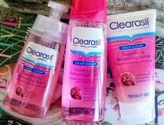 A Superfruits skin care routine with Clearasil!