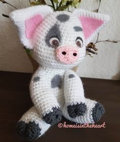 A few weeks ago a dear colleag asked me can you crochet a pua for my little daughter i asked myself a what and switched ov Crochet Animals, Crochet Toys, Crochet Baby, Free Crochet, Disney Crochet Patterns, Amigurumi Patterns, How To Start Knitting, Learn To Crochet, Crochet Cactus