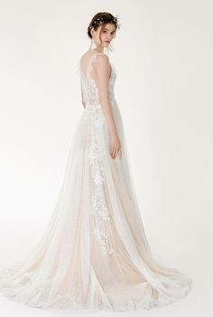 Lyla - BRIDAL - Chic Nostalgia - Bohemian and Romantic Wedding Dresses Bohemian Bride, Wedding Dress Styles, Bridal Collection, Bridal Gowns, Fashion Dresses, Nostalgia, Chic, Romantic, Bride Dresses