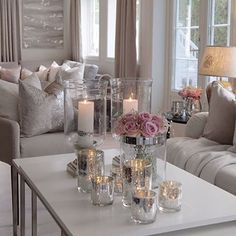Perfect balance of girly chic and grownish vibes Source by msmaiken Home Living Room, Interior Design Living Room, Living Room Designs, Living Room Decor, Living Room Inspiration, Home Decor Inspiration, Style Deco, Deco Table, Home And Deco