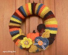 Horgolt koszorú Crochet Necklace, Wreaths, Blog, Fashion, May, Spring, Moda, Door Wreaths, Fashion Styles