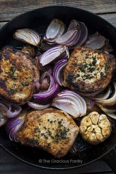 Clean Eating Roasted Garlic And Onion Pork Chops ~ http://www.thegraciouspantry.com