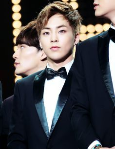 When Xiumins' eye contact game is too strong for words