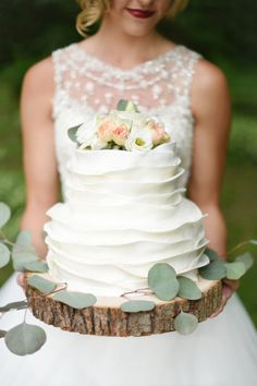 Beautiful Petal Fondant Tiered Wedding Cake by Fate Cakes - Photography - Susie Marie Photography