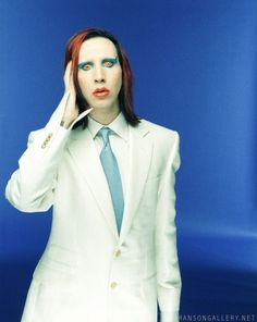 Marilyn Manson, The glam rock Mechanical Animals version of him