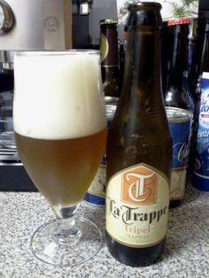 La Trappe Triple es una cerveza de 8º, con un exquisito aroma caramelizado que te llena la boca al primer sorbo de un soberbio sabor dulzón que se va transformando poco a poco en tenue amargor producido por su lúpulo. Es de color granate oscuro, con una espuma densa y ligeramente amarillenta y sabrosa. - See more at: http://cervezafresca.com/2008/09/11/la-trappe-sabor-trapense/#sthash.uRFVIcoJ.dpuf