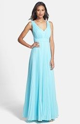 Donna Morgan 'Giselle' Pleated Chiffon Gown