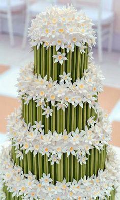 Daisy y pastel de bodas de bambú. Blanco Verde Amarillo