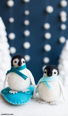 #Needlefelting #feltcraft #feltpenguin #diypenguin www.LiaGriffith.com: