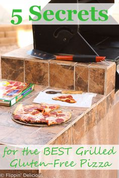 5 Secrets for the BEST grilled gluten free pizza, perfect for those hot summer days. Use frozen gluten free pizza! #glutenfree