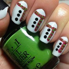 Today I am unfolding before you 18 easy & cute Christmas nail art designs, ideas & trends of do try these Xmas nails out and surprise your mates around. Cute Christmas Nails, Xmas Nails, Diy Nails, Cute Nails, Pretty Nails, Christmas Ideas, Simple Christmas, Christmas Scarf, Christmas Snowman