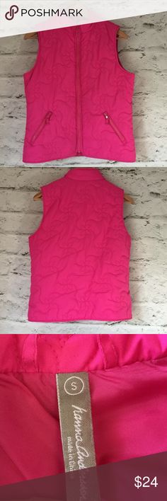 """Hanna Andersson hot pink puffer vest size S read Hanna Andersson hot pink puffer vest size S.  See last two pics, hard to see imperfections near pocket.  Warm and fun bright color.  Pop over a black turtleneck and pair with leggings and boots. Approximate flat lay measurnents: armpit to armpit 19.5"""", shoulder to hem 23"""". • Posh Ambassador • smoke and pet free home • fast shipping! Hanna Andersson Jackets & Coats Vests"""