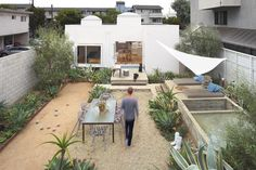 The Venice Modern Home Tour, not to be confused with the Venice Garden & Home Tour in May benefiting the Neighborhood Youth Assn., will showcase the outdoor spaces of this 1936 Venice home. Remodeled by Predock Frane Architects, the garden now accommodates a bocce court.