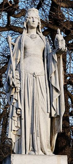 Bertrada of Laon, also called Bertha Broadfoot (cf. Latin: Regina pede aucae i.e. the queen with the goose-foot) - began rule November 751 as sole-Queen consort of the Franks, end rule September 768 when her husband, Pepin the Short, died. She was the mother of Charlemagne. ---- Statue located in the Jardin du Luxembourg, Paris, France. Can't find date of make. My 39th Great Grandmother