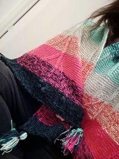 Plaid Scarf, Blanket, Fashion, Knits, Moda, Fashion Styles, Blankets, Cover, Fashion Illustrations