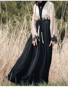Gürtel & Bindebund Abayas – Abayas Boutique Source by The post Gürtel & Bindebund Abayas – Abayas Bo Abaya Fashion, Vogue Fashion, Modest Fashion, Fashion Dresses, Muslim Women Fashion, Islamic Fashion, Mode Abaya, Mode Hijab, Hijab Style