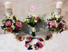 Lumanari personalizate realizate cu flori naturale Facebook Sign Up, Floral Wreath, Wreaths, Bouquet, Flower Band, Floral Arrangements, Floral Arrangements
