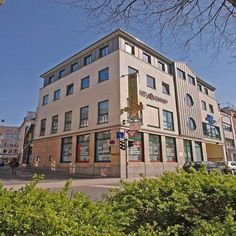 Hotel Aulmann Trier This 3-star hotel lies in the heart of Trier, close to the Old Town. It is just a 6-minute walk from Trier Cathedral and 900 metres from the Porta Nigra. The cosy rooms of the Hotel Aulmann are comfortably furnished and feature Wi-Fi.