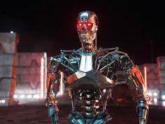 """ATUALIZADO em 06/01/2015com a imagem de umT-800 """"ao natural"""": ATUALIZADO em 23/11/2014 com nova imagem de Arnold Schwarzenegger como o T-800 idoso: ATUALIZADO em 30/10/2014 com mais imagens da ma..."""