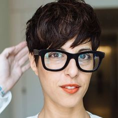 This Short hair pixie cut hairstyle with glasses ideas 78 image is part from 100 Best Short Hair Pixie Cut Hairstyle with Glasses Ideas That You Must Try gallery and article, click read it bellow to see high resolutions quality image and another awesome image ideas.