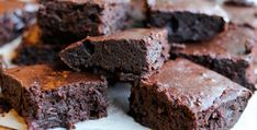 The five step milo brownie ,a mouth-watering, easy, dessert Brownie made using a malt powder we all grew up with, here's yummy Brownie to try and love. Brownie Fondant, Recipe Link, Recipe Images, Brownie Recipes, Sans Gluten, Recipe Collection, Sweet Tooth, Food And Drink, Yummy Food