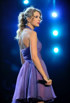 Pin for Later: 13 Taylor Swift Facts Only a True Swiftie Would Know She soley wrote all the songs in her album Speak Now While Taylor has worked with some incredible artists over the years, for her third studio album, she wrote and composed everything by herself.