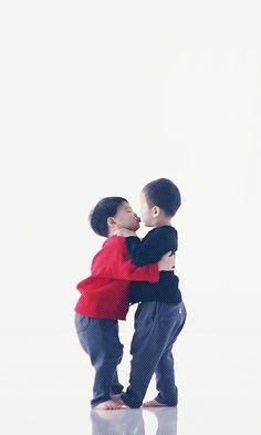 Daehan Minguk Manse Song Il Gook, Triplet Babies, Superman Kids, Man Se, Song Triplets, Kissy Face, Miss You Guys, Saranghae, Cute Kids