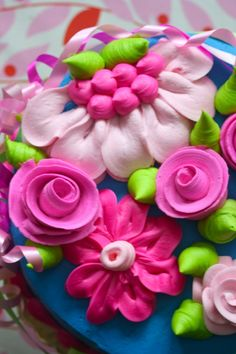icing flowers, pink flowers, decorated cakes flowers, girl cakes, colorful cakes, cake icing, school decorations, bright colors, birthday cakes