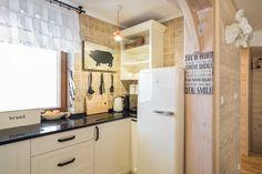 Dom Malina Zakopane english kitchen in mountain cottage