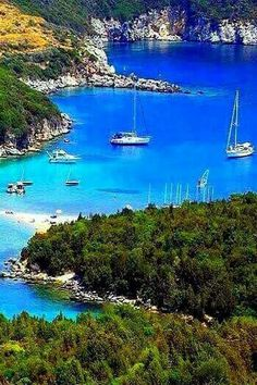 yachtcharter-kreuzfahrt-sardinien-yacht-boutique/ - The world's most private search engine Wonderful Places, Beautiful Places, Cruise Italy, Places In Greece, Greece Photography, Beau Site, Cruise Holidays, Greece Islands, Greece Travel