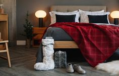 Christmas bedroom looks from Natural Bed Company Bed Company, Christmas Bedroom, Bedroom Decor, Warm, Natural, Classic, Furniture, Home Decor, Derby