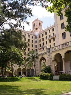 The Hotel Nacional de Cuba from the gardens at the rear of the hotel