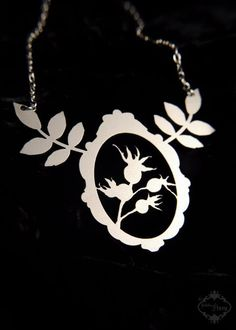 Hey, I found this really awesome Etsy listing at https://www.etsy.com/listing/65475359/botanical-statement-necklace-in-silver
