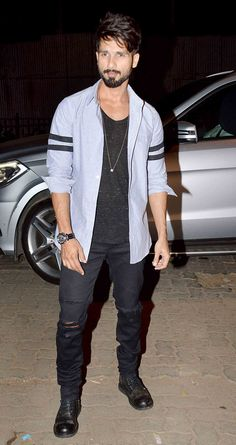Shahid Kapoor at casting director Mukesh Chhabra's birthday bash. #Bollywood #Fashion #Style #Handsome