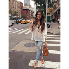 Cada passo que dou é um clique!  NY, porque tão linda? Amando estar aqui depois de tanto tempo!  • Sandália   Bolsa @corellooficial  #NaheJadeOFFTONY