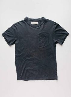 men's graphite pocket tee imogen + willie Aesthetic Fashion, Fashion Branding, Vintage Tees, Graphite, Pocket, Knitting, Cotton, Mens Tops, How To Wear